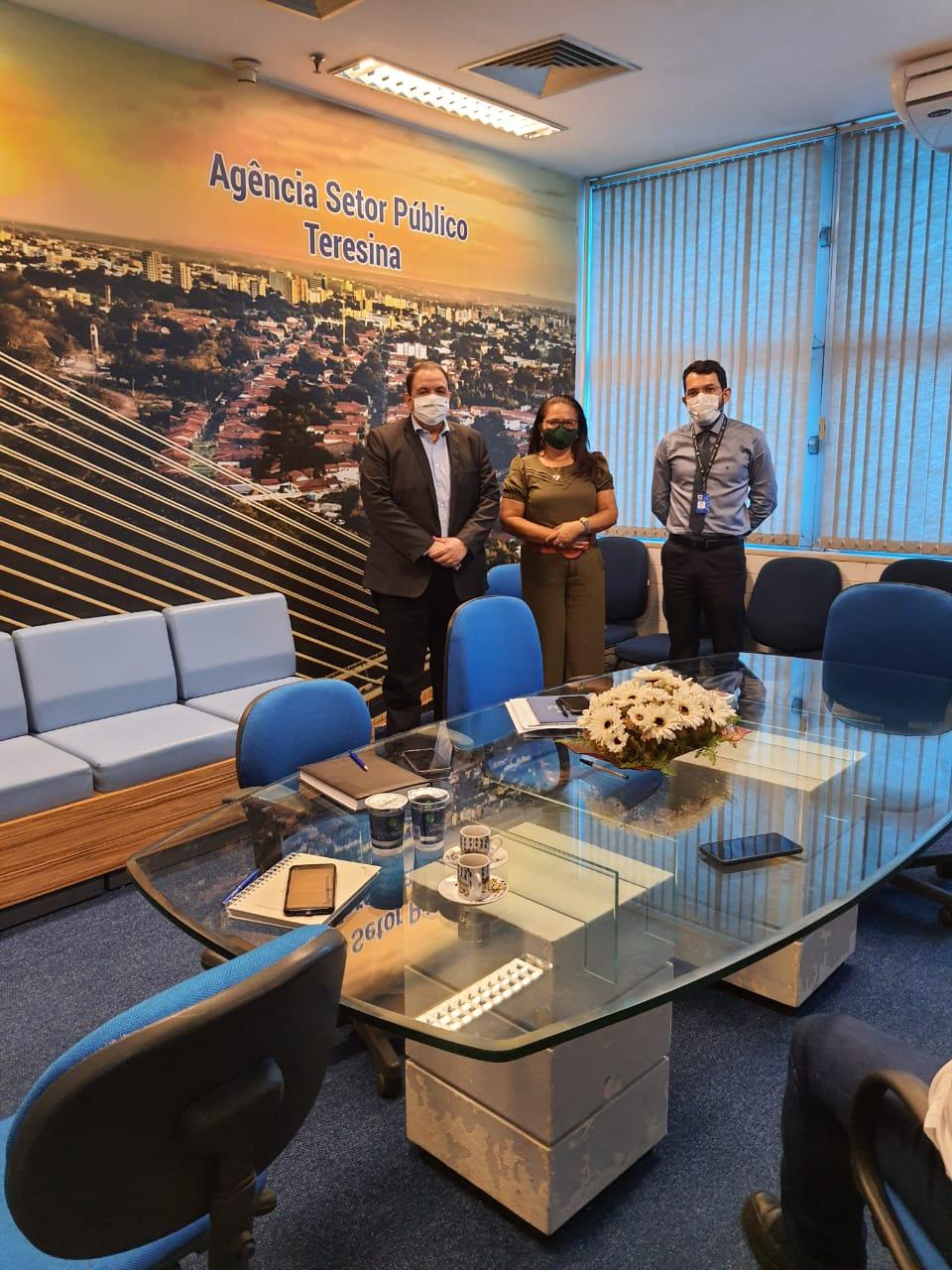Prefeita Lúcia Lacerda visita Agencia Setor Público BB - Imagem 2