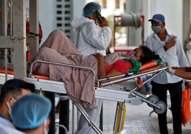 Hospitais em Nova Délh estão ficando sem oxigênio para pacientes com covid-19- Foto: Reuters