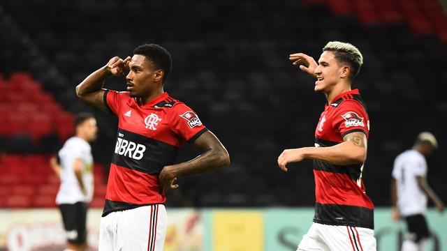 Vitinho comemora gol da vitória do Flamengo (Foto: André Durão)