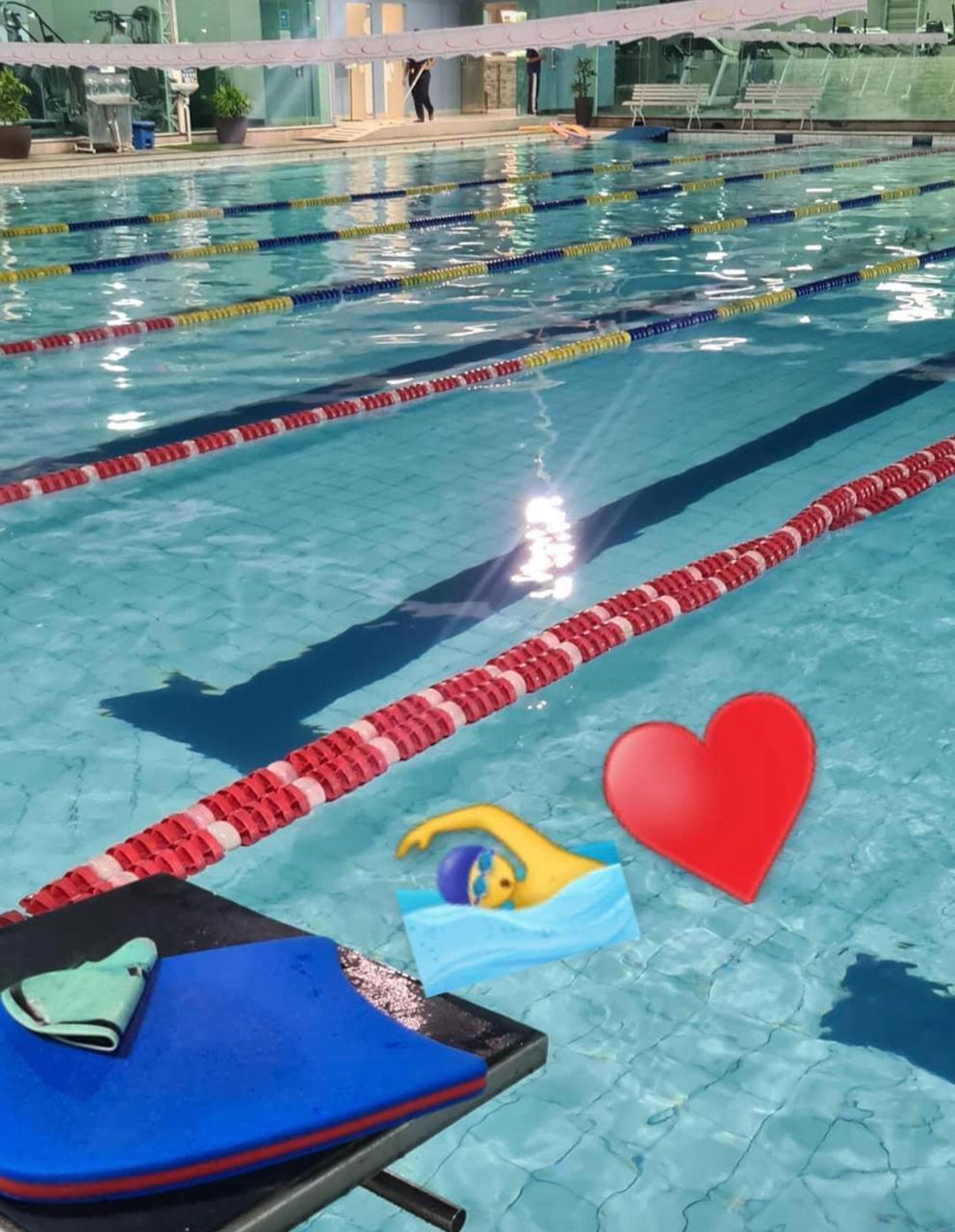 Jovem havia postado foto da piscina momentos antes do treino fatal. Crédito: Facebook/Reprodução.