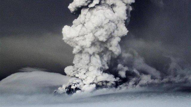 Erupção vulcânica na Islândia em 2011 Foto: Reuters