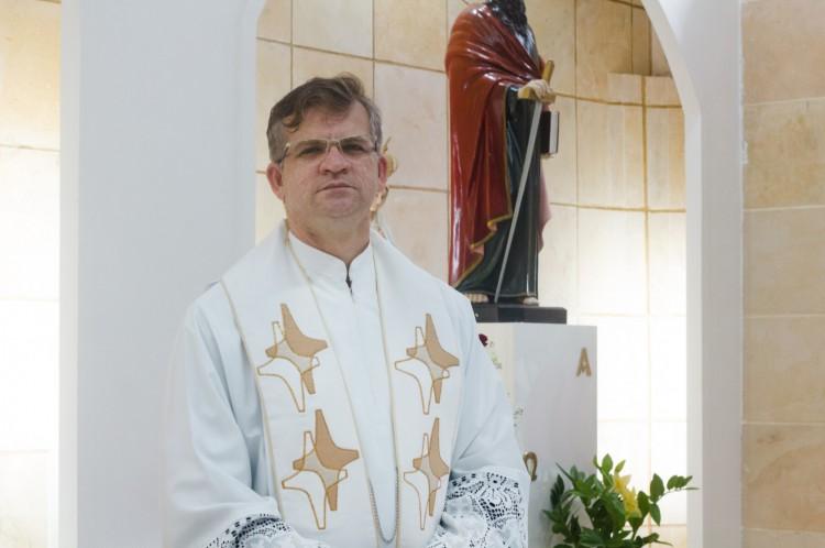 Apesar da dor, padre Gilvan dá testemunho de esperança (Foto: Fernanda Barros )