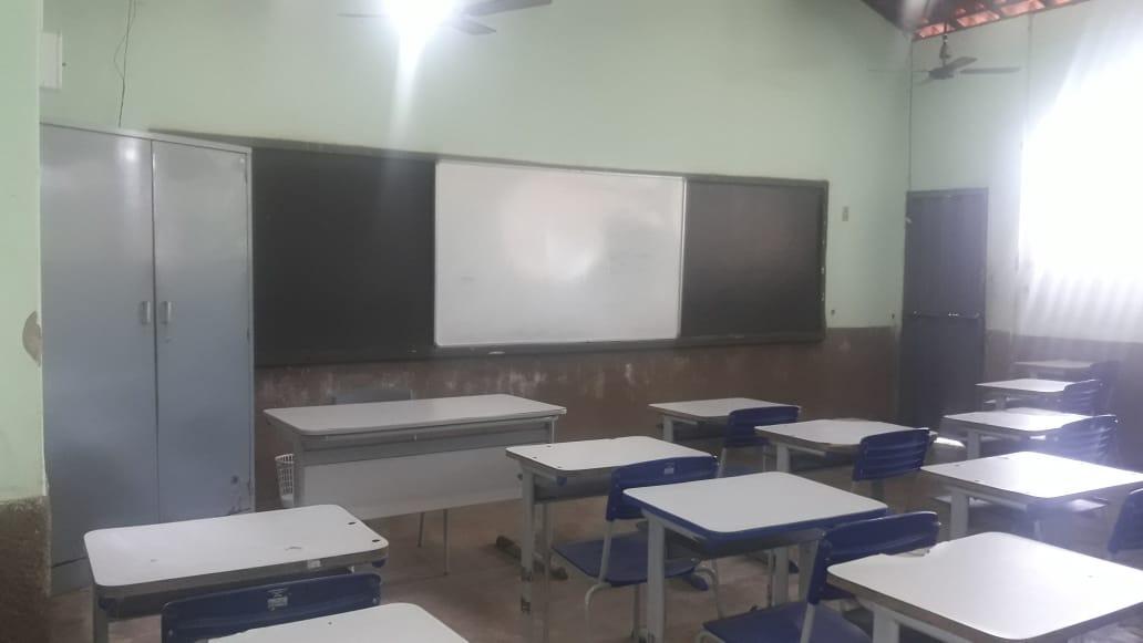 Estudantes da Unidade Escolar São Sebastião, em Tanque do Piauí, precisam dos aparelhos para andamentos de aulas remotas- Foto: Redes Sociais