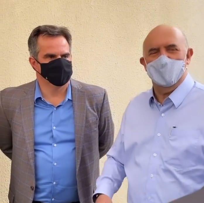 Ministro quebrou protocolo e fez oração pela família de Firmino Filho (Foto: Reprodução)