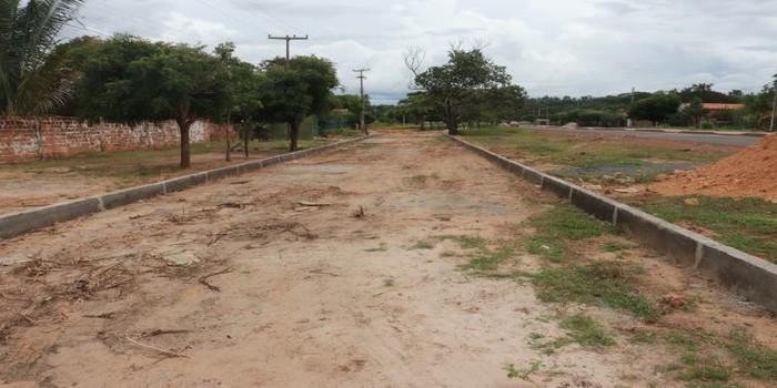 Localidade Buraco D'água ganha pavimentação em paralelepípedo