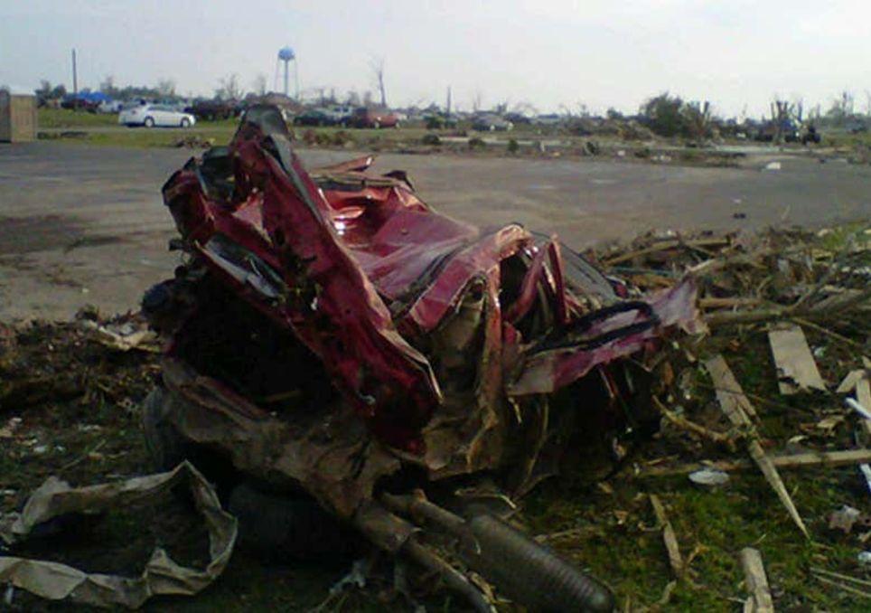 Tornados varrem o Sudeste dos EUA e deixam 300 pessoas mortas - Imagem 2