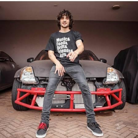 Fiuk conta no 'BBB 21' que vendeu carro de corrida por R$ 150 mil após ter ido à falência Foto: reprodução/ instagram