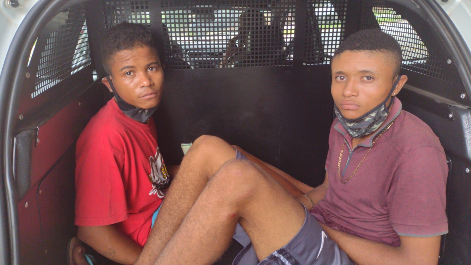Suspeitos de assalto foram presos após fugir da Polícia | FOTO: Reprodução