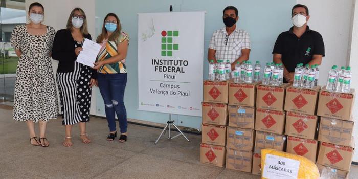 IFPI faz doação de álcool para Hospital e Secretaria de Valença