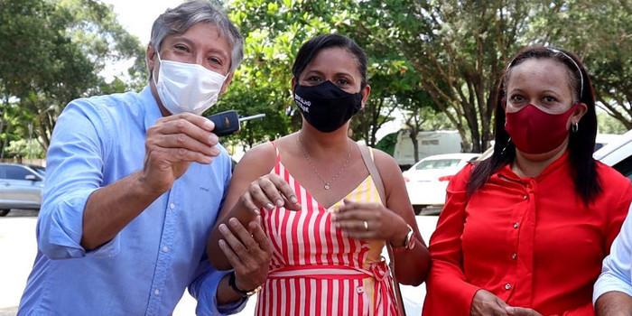 Marcelo Costa cumpre promessa e entrega carro ao Conselho Tutelar