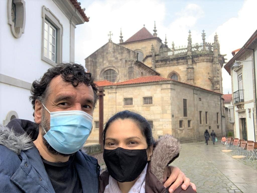 Guilherme Azevedo e Simxer Fernandes nas ruas de Braga, Portugal | Arquivo pessoal