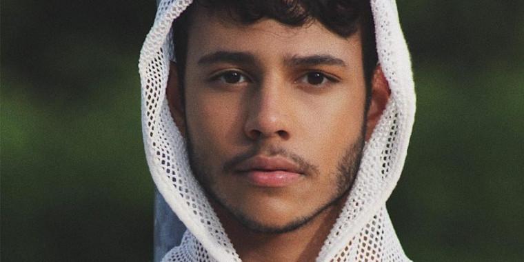 """Popó Freitas fala com orgulho do filho de 21 anos: """"médico e gay"""""""