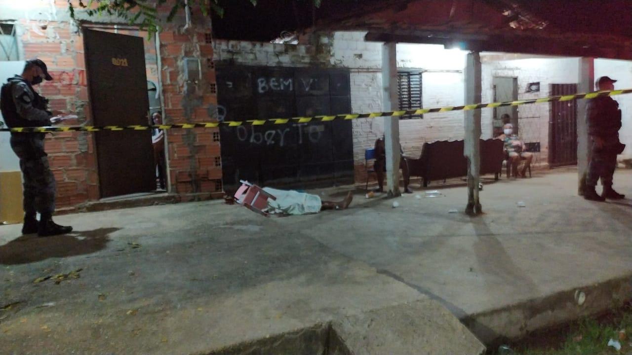 Francisco das Chagas morto no bairro Mafrense - Foto: Ivan Lima
