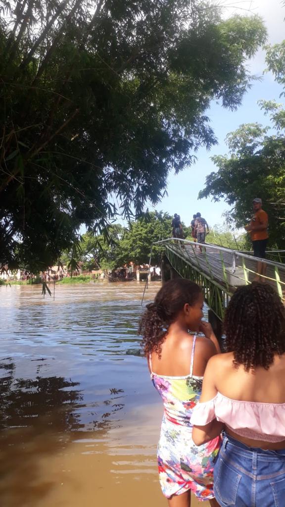 Ponte metálica desaba e deixa jovens feridos em Bacabal ,no Maranhão - Foto: Divulgação