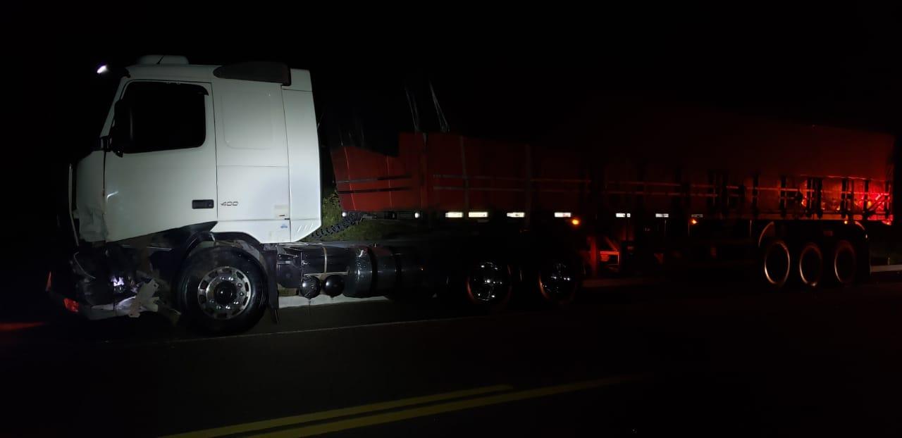 Teste de alcoolemia deu negativo para o motorista do caminhão - Foto: Divulgação/PRF