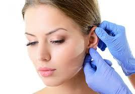 Uso de máscara não desenvolve a orelha de abano/Reprodução