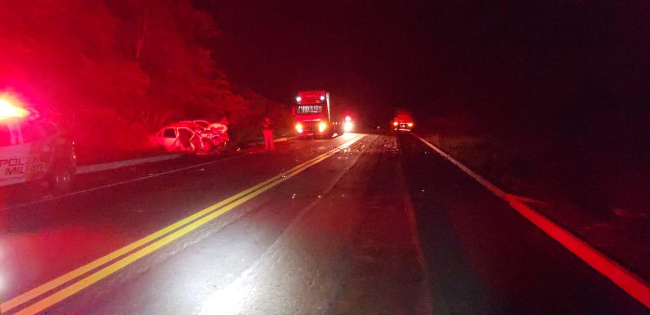 Colisão envolveu uma carreta e um veículo na rodovia BR-316 - Foto: Divulgação/PRF