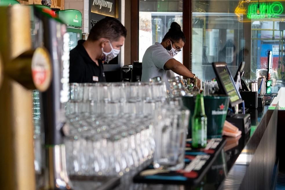 Trabalhadores e empresários já podem se cadastrar para receber auxílio - Foto: Marcelo Brandt/G1
