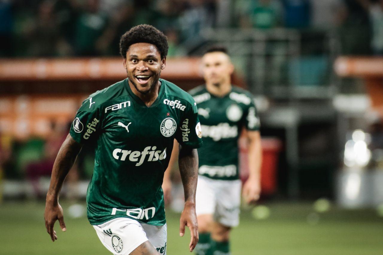 Luiz Adriano prestou ajuda para homem atropelado - Foto: Divulgação/Rodrigo Coca