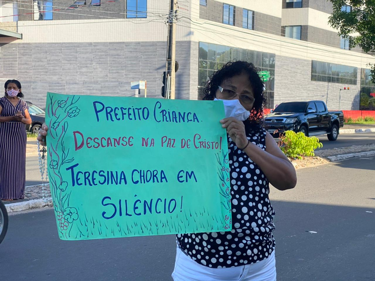 Teresinenses prestam suas últimas homenagens ao ex-prefeito Firmino Filho - Foto: Raíssa Morais