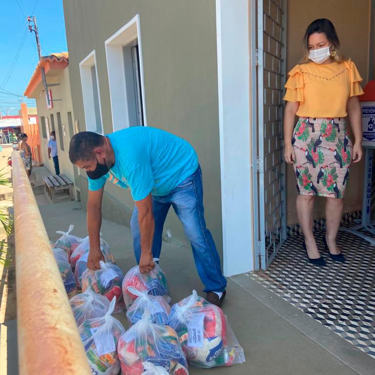 SME de Joaquim Pires entrega kit de alimentação escolar - Imagem 1