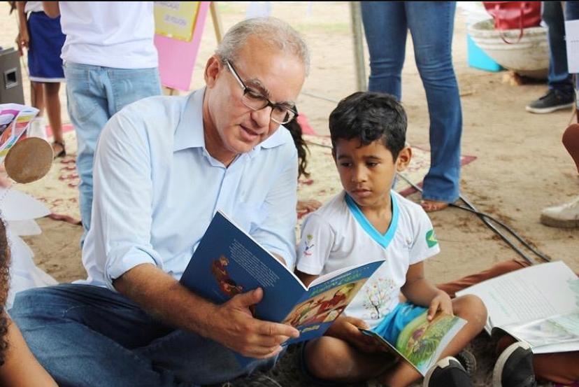 Firmino Filho tinha atenção especial nos projetos voltados para educação (Foto: reprodução)