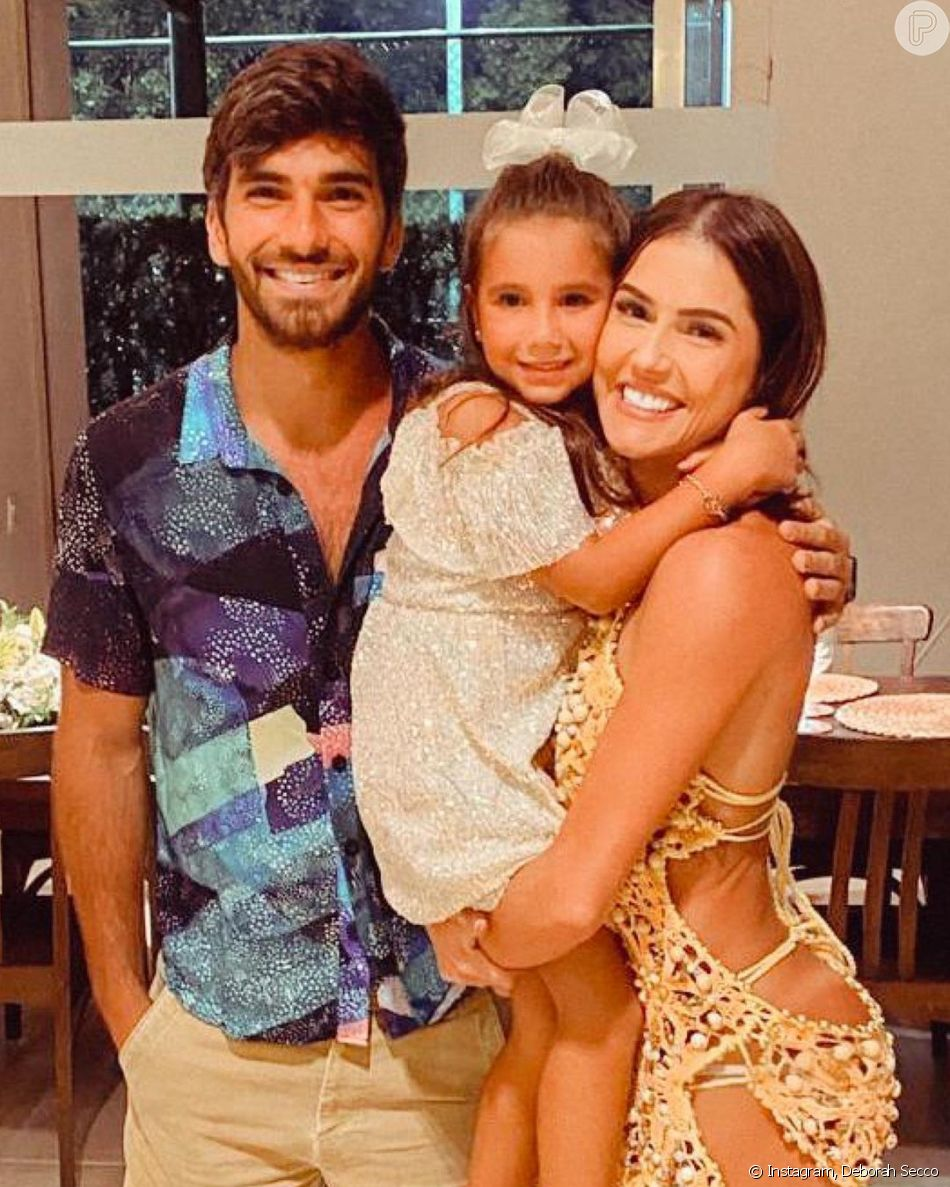 Deborah Secco, Hugo Moura e a filha Mari Flor