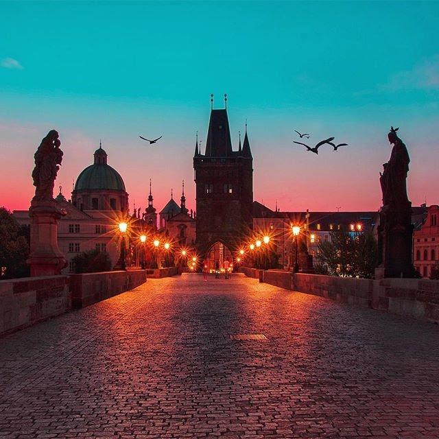 Ponte Carlos, em Praga (Divulgação)