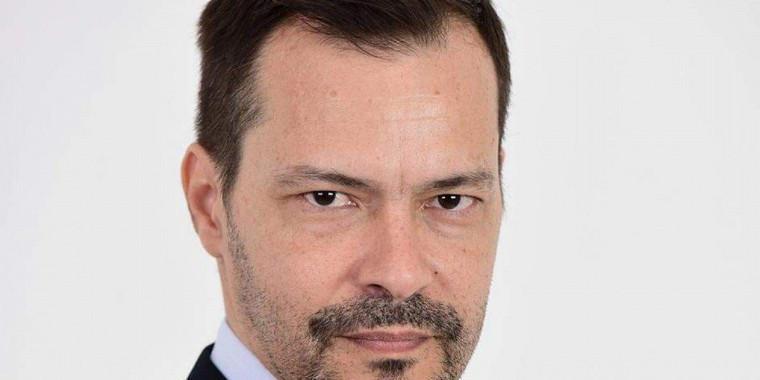 Com covid-19, ator Heitor Martinez está internado na UTI