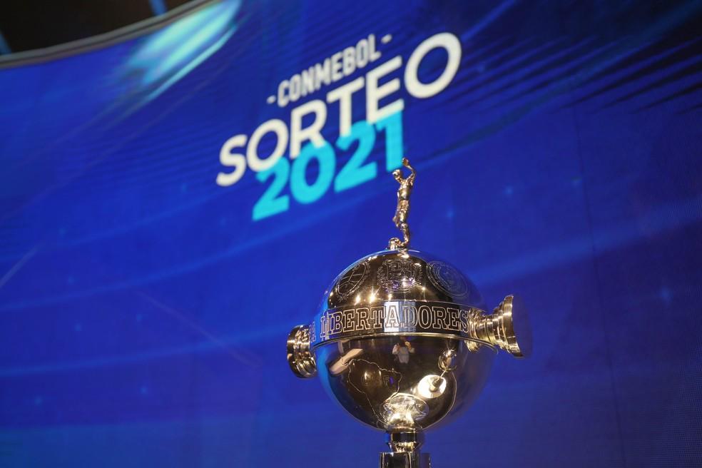 Troféu da Libertadores da América 2021 - Foto: Twitter/Conmenbol