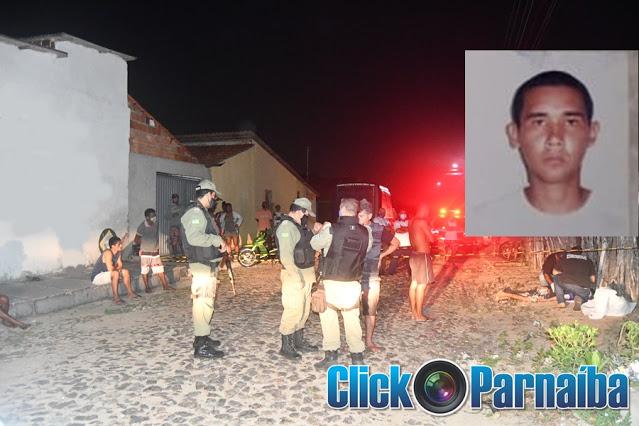 Homem foi morto com seis disparos em via pública no litoral do Piauí - Foto: Click Parnaíba