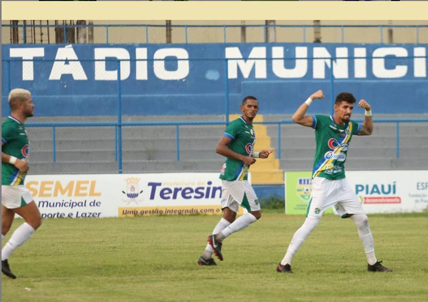 Manoel foi o artilheiro da partida que deu a liderança ao Altos- Foto: @luisjuniorcinegra/A.A.Altos