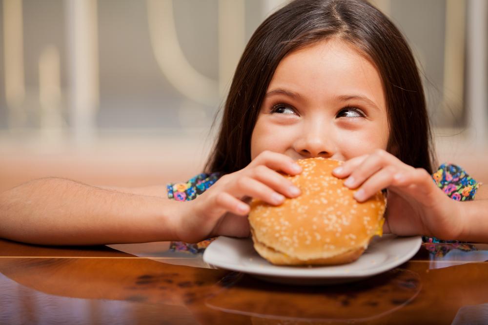 Obesidade traz doenças cardiovascular na vida adulta para meninas- Foto:Shutterstock
