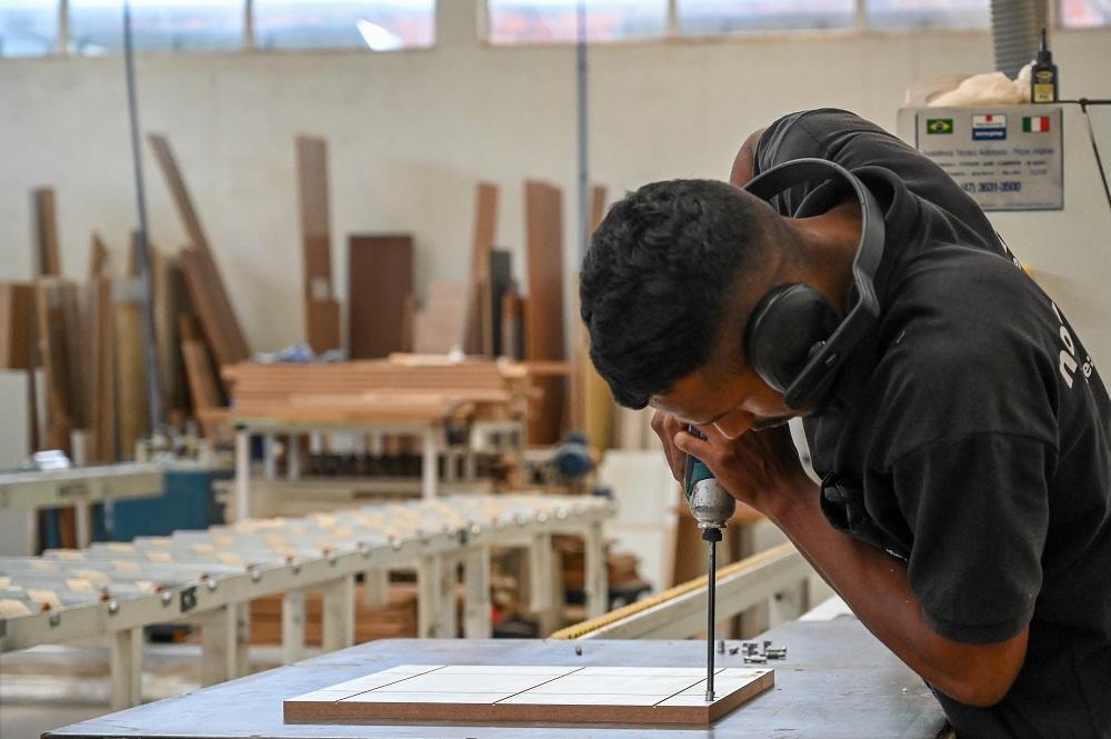 Atividade industrial registra alta (Divulgação CNI)