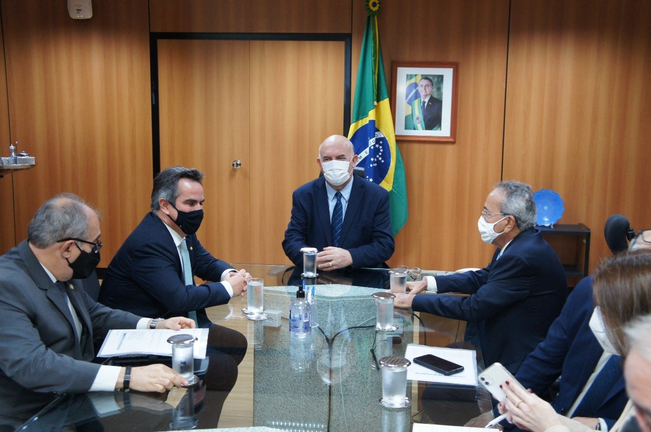 Átila Lira tem encontro com ministro da Educação em Brasília - Imagem 1
