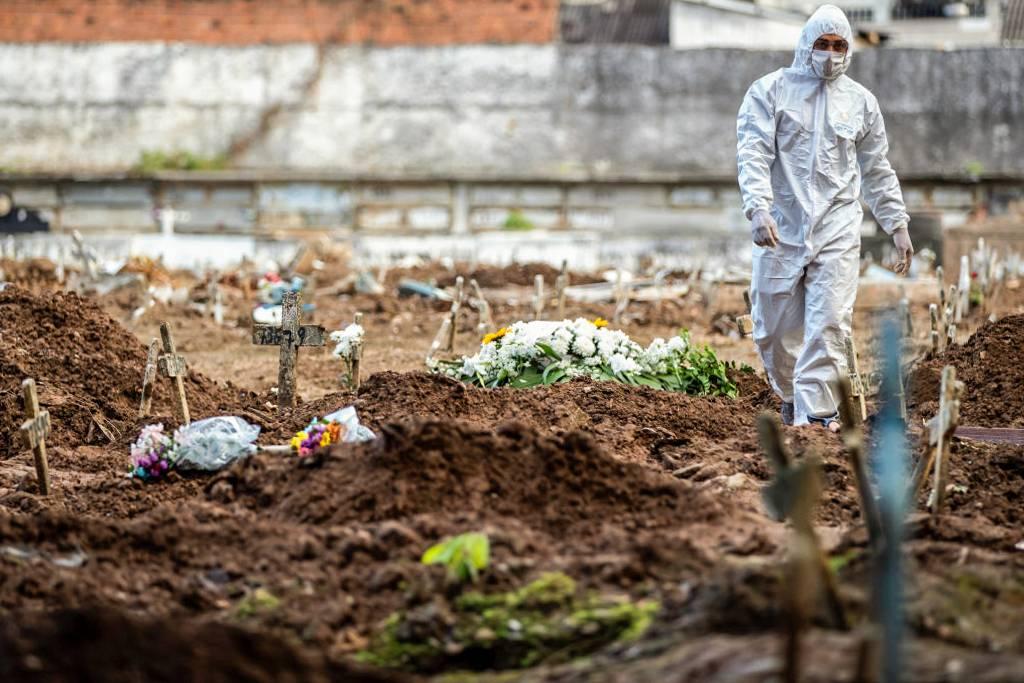 Brasil registra 2.311 mortes em 24 horas (Foto: Buda Mendes/Getty Images )