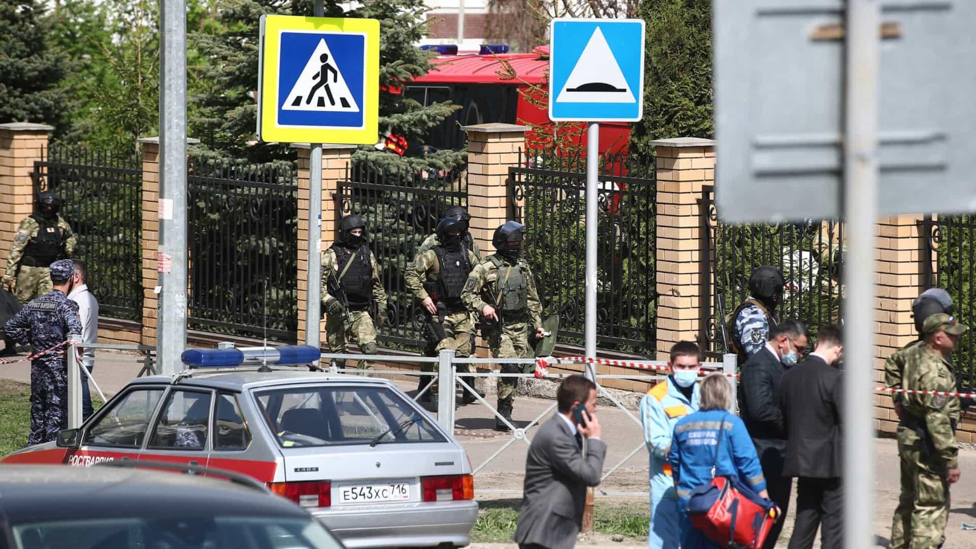 Jovem armado entra em escola na Rússia e deixa ao menos 8 mortos - Foto: Gette Images