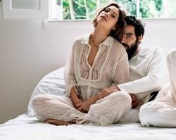 Casado, Caio Blat revela que não mora com a mulher
