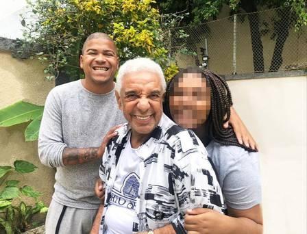 Agnaldo Timóteo com a filha Keyty e o sobrinho Timotinho Foto: Arquivo pessoal