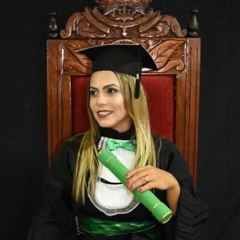 Enfermeira Jucilene Bezerra morreu por complicações da Covid-19 em outubro de 2020