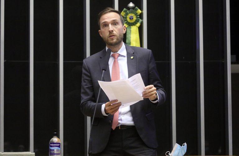 Deputado Vinicius Poit é relator do projeto (Cleia Viana/Agência Câmara)