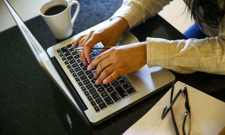 Dentre os canais mais utilizados para as vendas estão as redes sociais (Marcelo Camargo (Agência Brasil)
