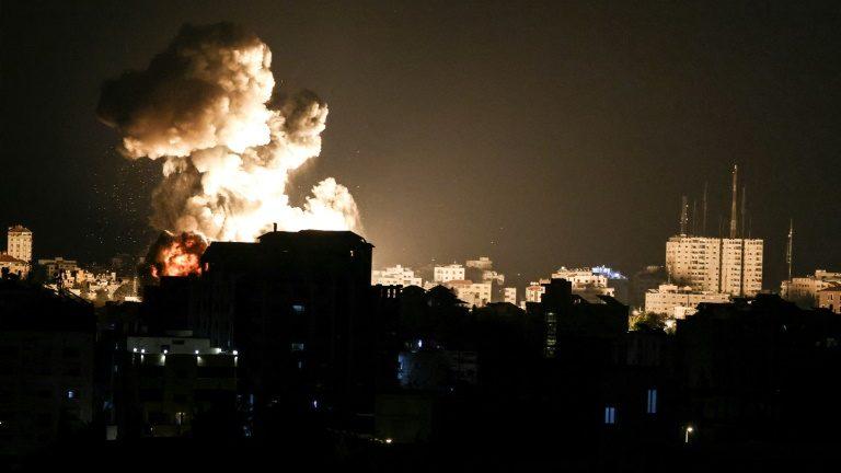 Bombardeios aéreos do exército israelense na Faixa de Gaza nesta quinta-feira 13 de maio de 2021 - AFP