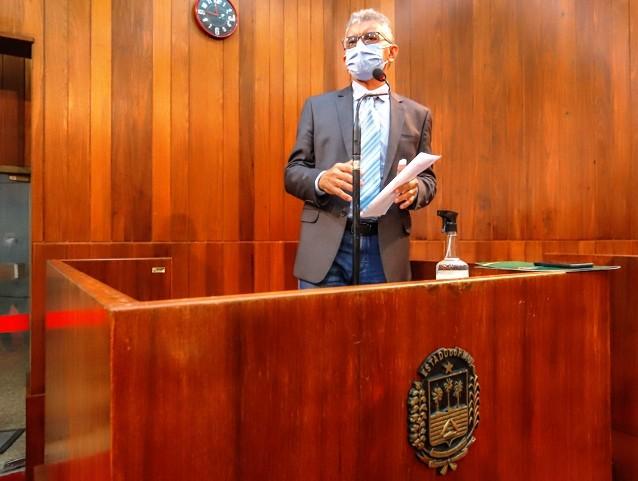 Deputado Paulo Martins pede apoio da bancada federal para votação do piso nacional de enfermeiros