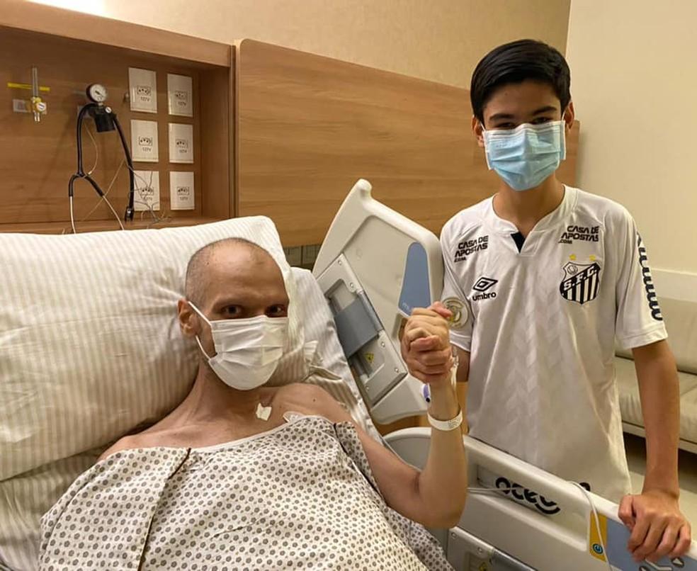 Bruno Covas em leito de hospital