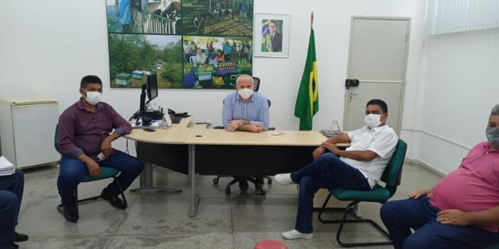 Prefeito participa de audiência pública sobre benefícios no INCRA-PI
