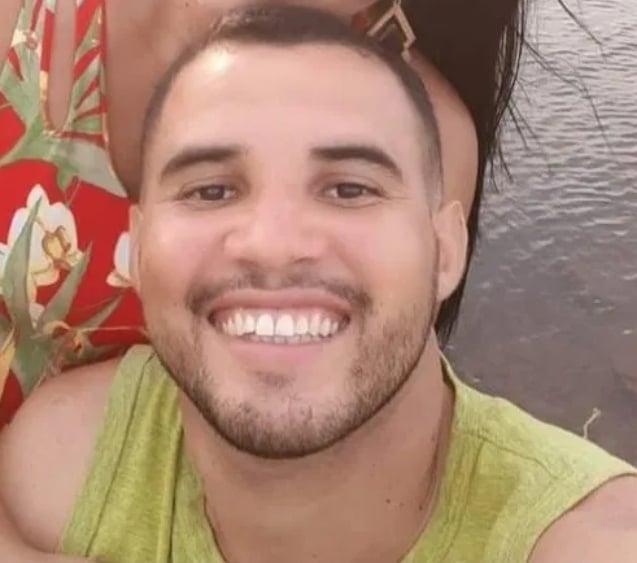 Jovem de 26 anos desaparece após canoa virar durante pescaria no Piauí (Foto: Reprodução)