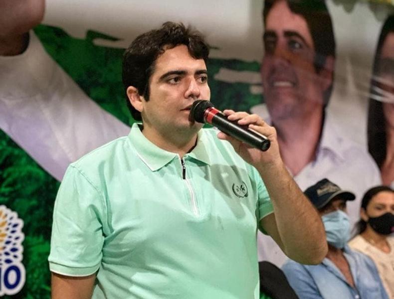 Prefeito Felipe Pedro de Cajueiro da Praia (Foto: Reprodução/Instagram)