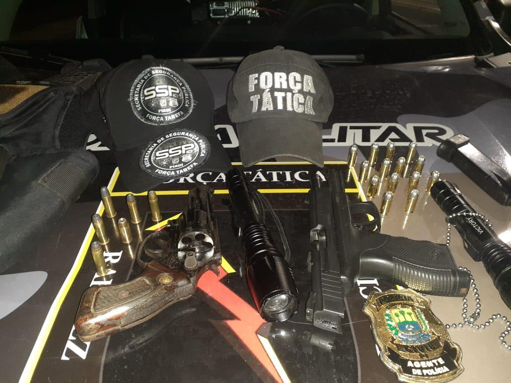Armas e munições foram apreendidas (Foto: Divulgação)