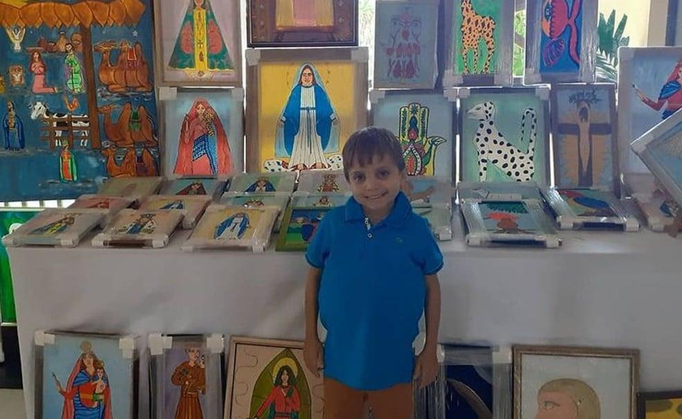 O pequeno Daniel pintava quadros para pagar o tratamento médico e morreu de Covid-19-reprodução redes sociais